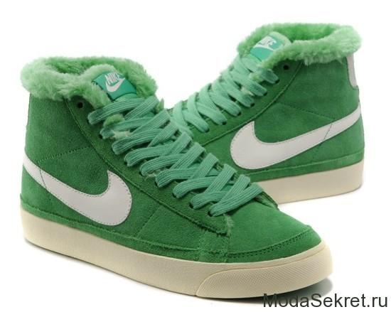 зеленые зимние ботинки найк