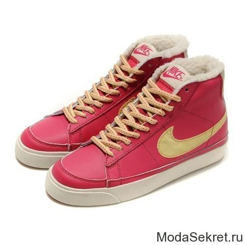 розовые зимние ботинки на шнуровке