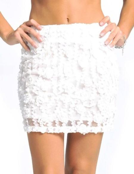 Кружевная юбка, особенно если она белая