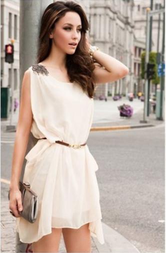 Греческое короткое платье аксессуары сумка