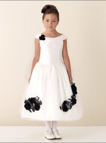 Модные праздничные платья для маленьких принцесс