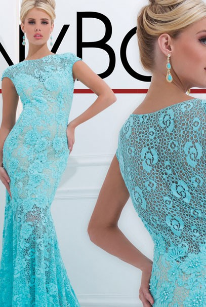 Красивое вечернее платье с кружевом