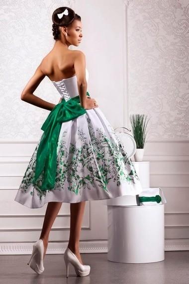 Цветные короткие свадебные платья