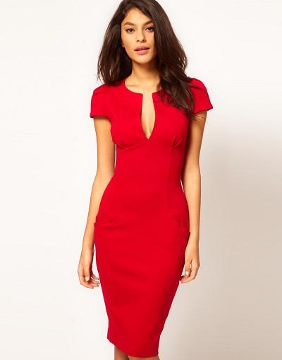 Длинное красное платье классического кроя
