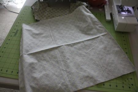 Сшиваем юбку по краю