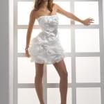 1377868550_short_wedding_dress_a_stylish_brides_attire_03