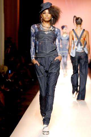 Модные джинсы для девушек