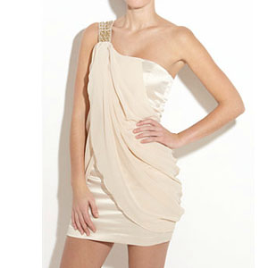 Как носить платья с открытыми плечами
