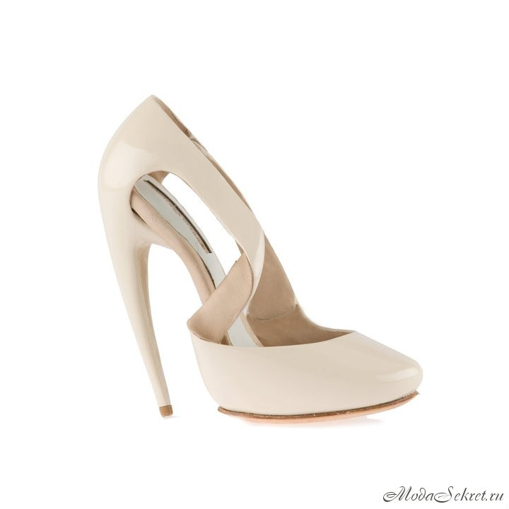 Красивые туфли на высоком каблуке