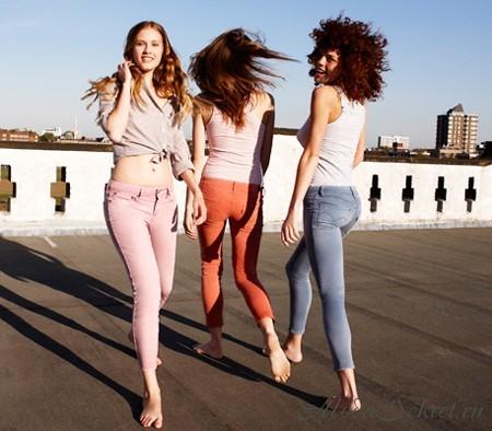 Какие джинсы модные в этом году