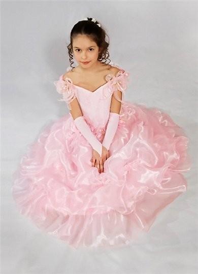 Цветовая палитра детского вечернего платья