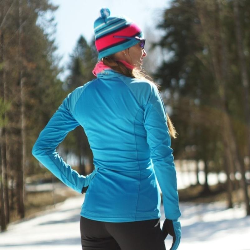 Как выбрать стильный и функциональный лыжный костюм: разновидности и характеристики